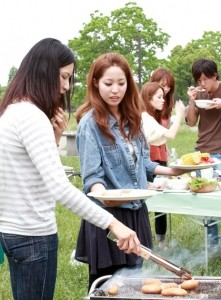 woman_barbecue